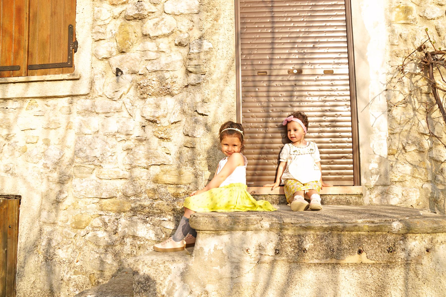 2 soeurs à Plaisians, Drôme provençale