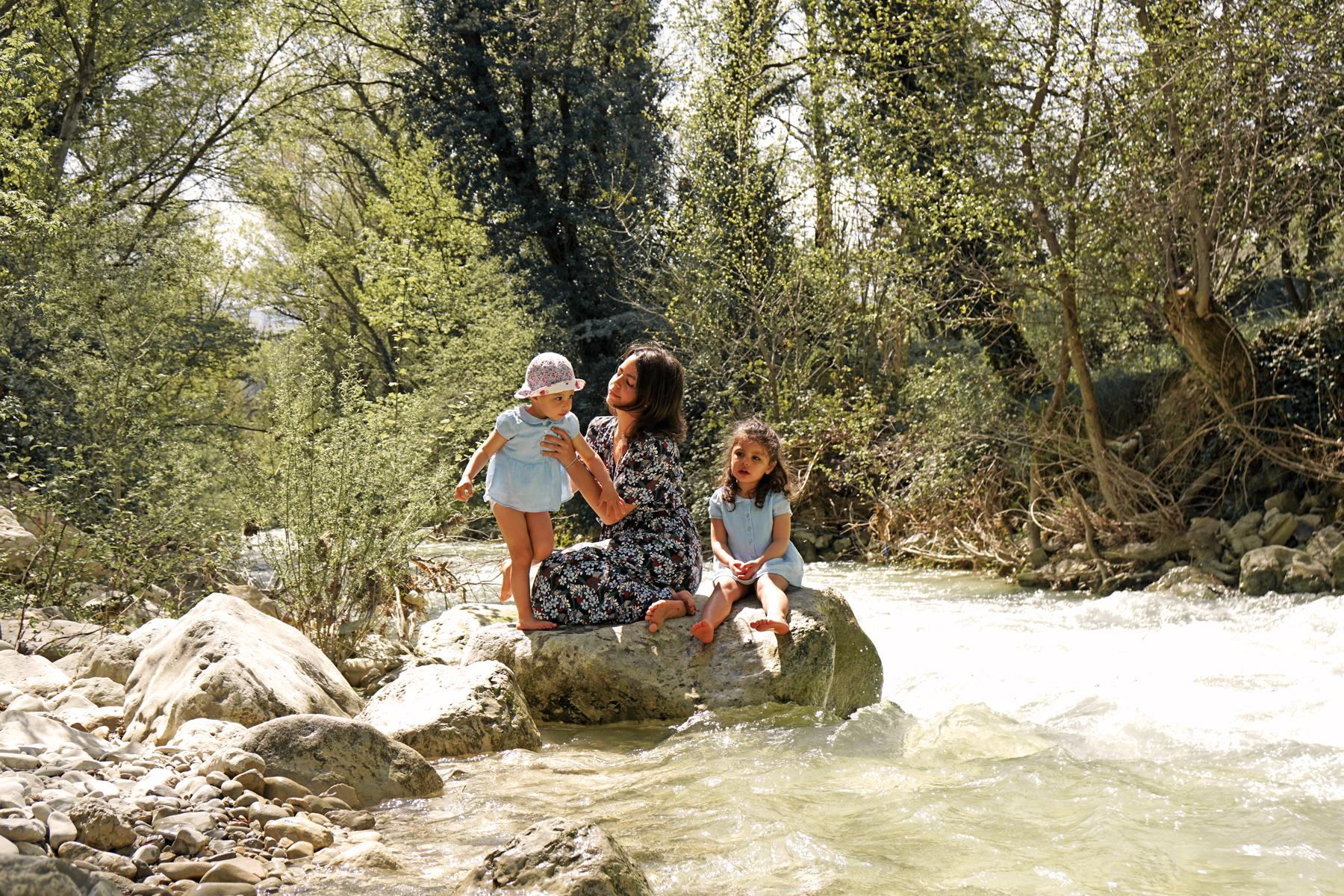 Famille, rivière Ouvèze, Drôme provençale