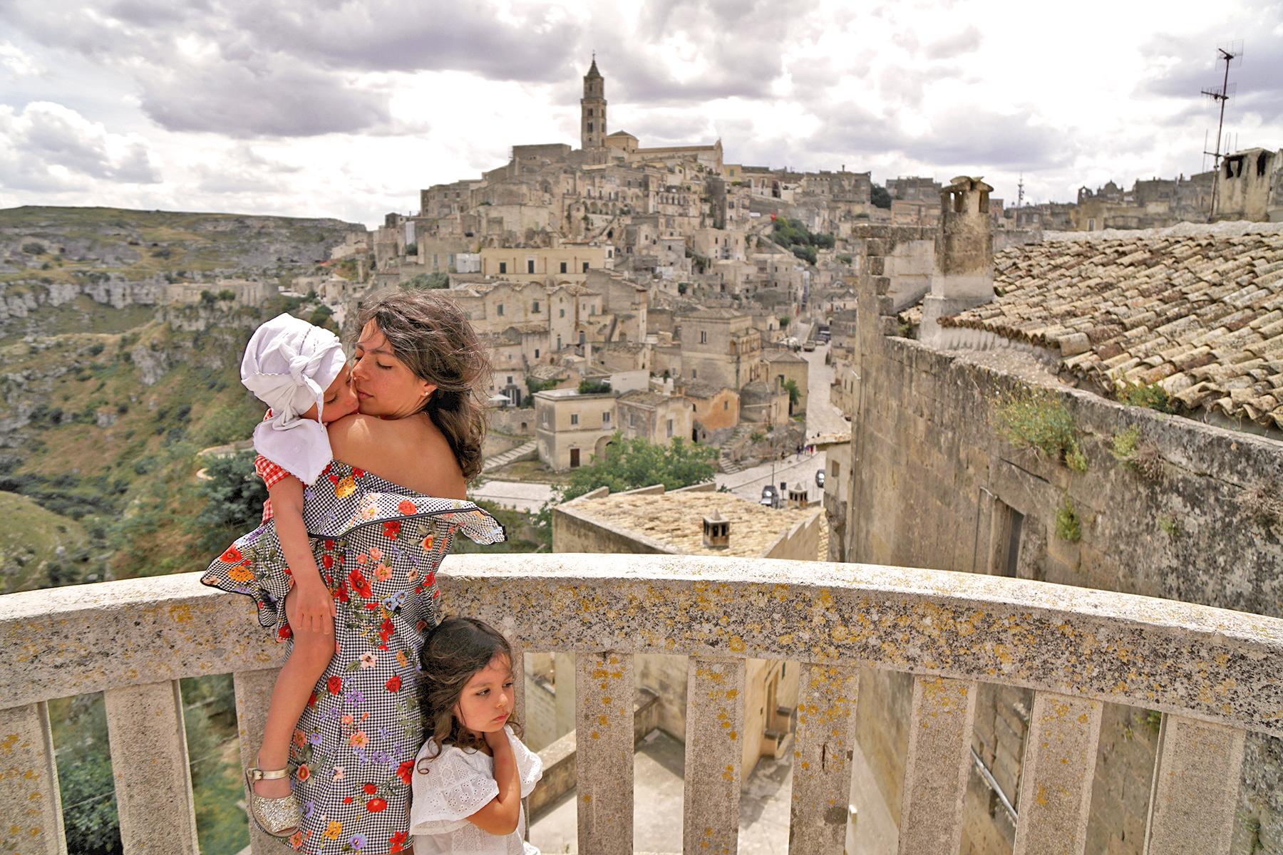 Mère et filles, Les pouilles, Matera, Italie