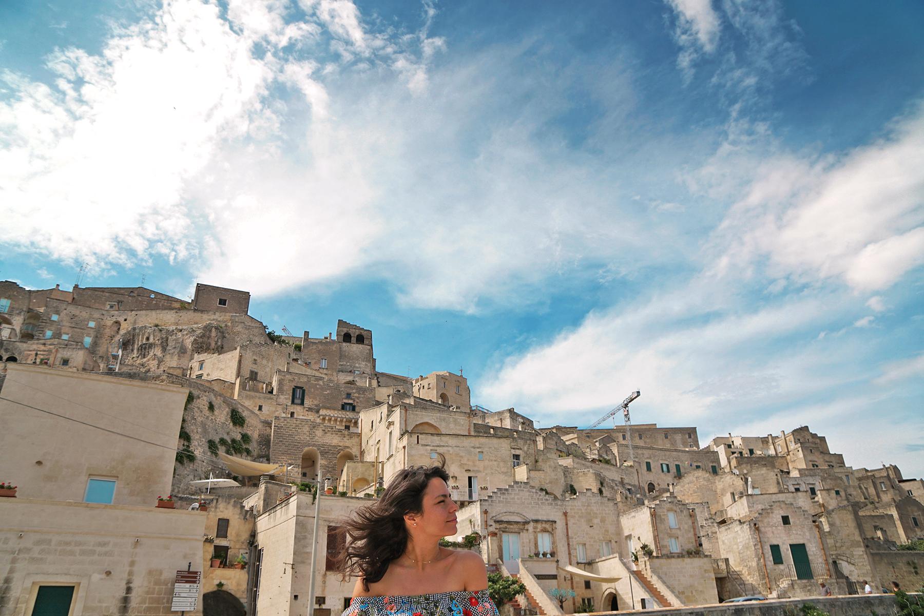 Femme, vent, Matera, Italie