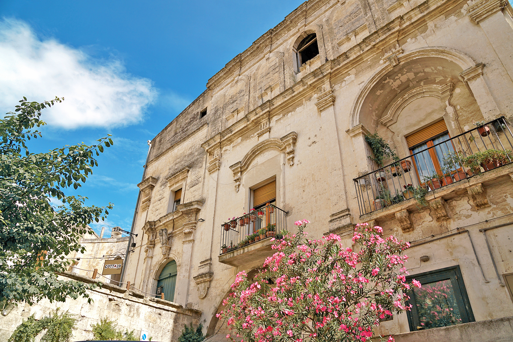 Immeuble fleuri Matera, Italie