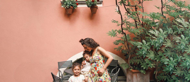 Mère et filles à Orvieto Italie