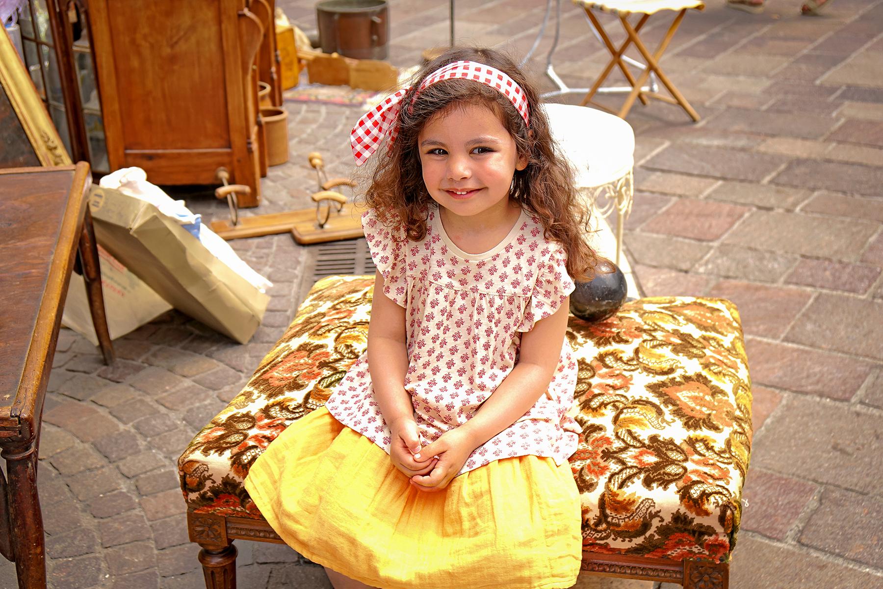 Petite fille à la brocante, Annecy