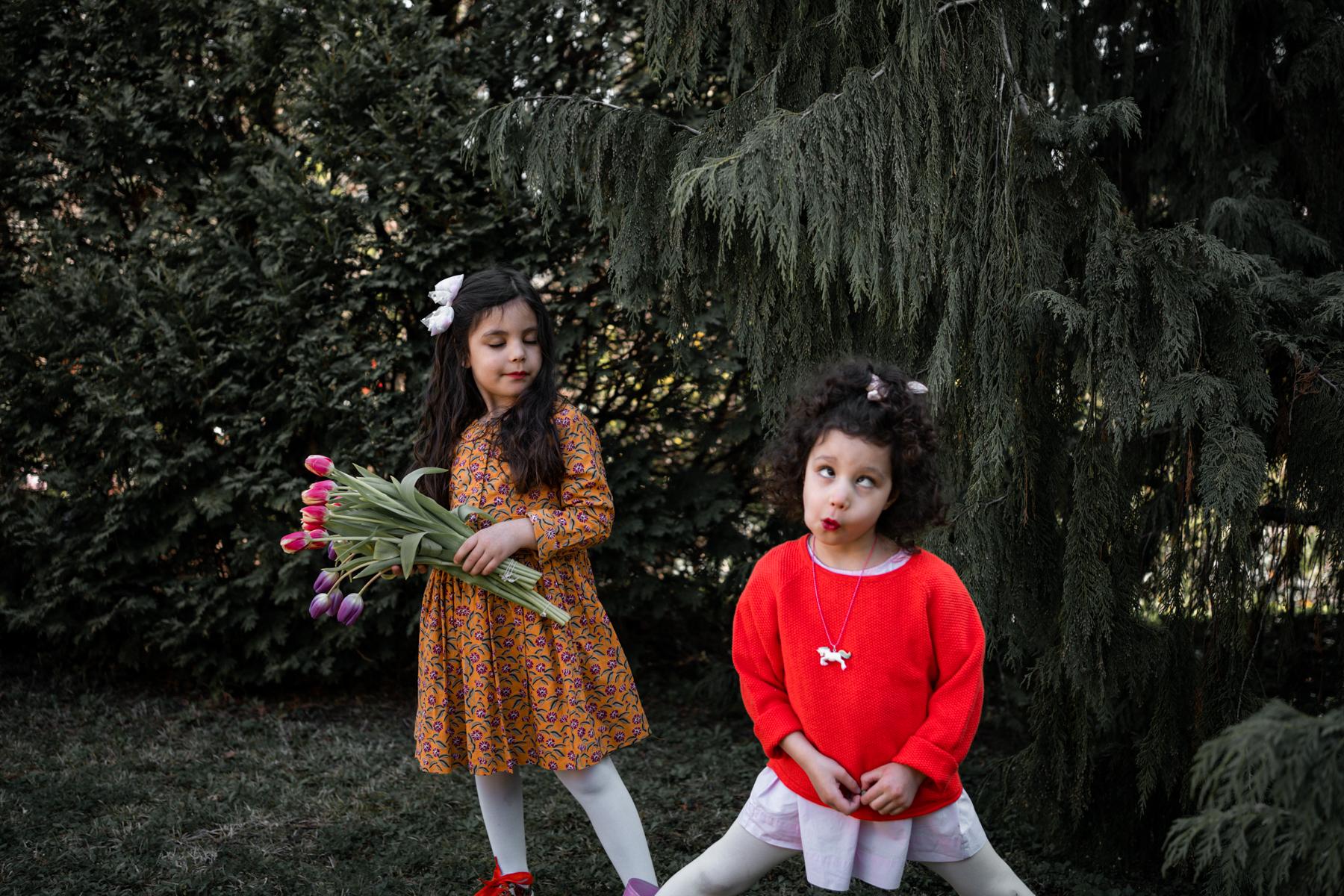 Anniversaire confiné, Coronavirus, 2 petites filles font les clowns